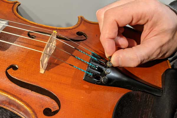 Use the fine tuners for high precision tuning